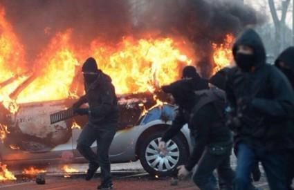 Prosvjedi su sve žešći...