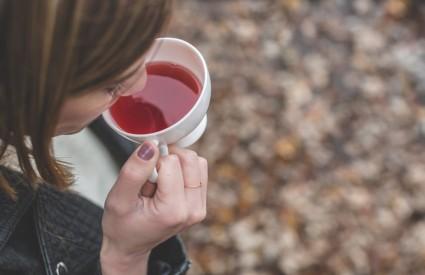 Dajte čajevima priliku