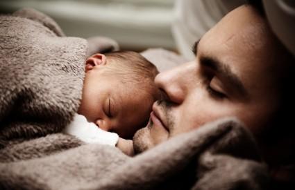 Traženi su samohrani očevi
