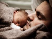 Bi li roditelj trebao spavati u istom krevetu s djetetom? / Pixabay