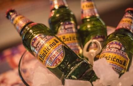 Božićno pivo na Adventu na Strossu