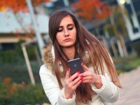Kako i koliko se ozljeđujemo - mobitelima?
