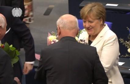 Merkel u problemima