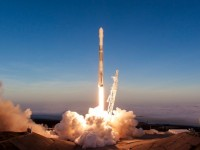 SpaceX odletio s civilima