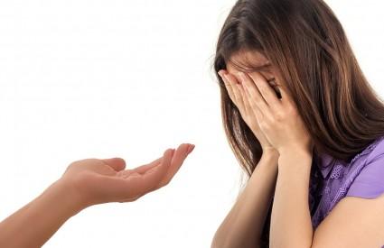 Veza sa zlostavljačem treba se prekinuti