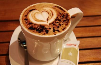 Popodne pijemo kaloričnije kave...