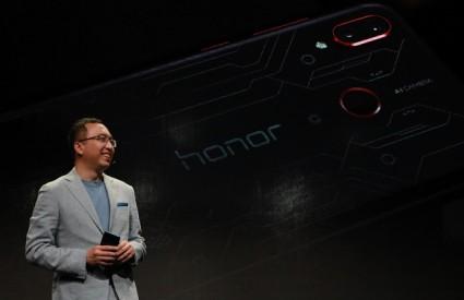 Honor Play - pristupačan gamerski smartphone