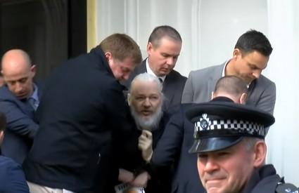 Assangea izvlače iz ekvadorske ambasade