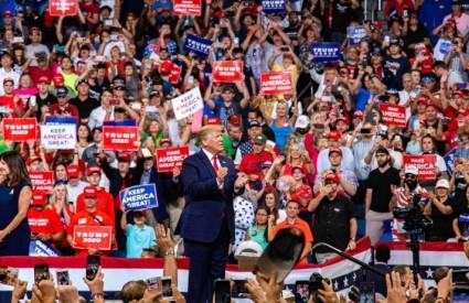 Trumpovi pristaše su oduševljeni