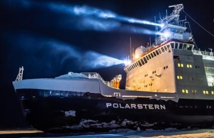 Polarstern isplovio prema sjeveru