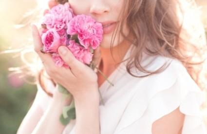 Ruža radi čuda za kožu