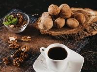 Zašto nam treba prva kava?