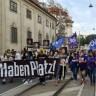 Tisuće na prosvjedu pred veleposlanstvom RH u Beču